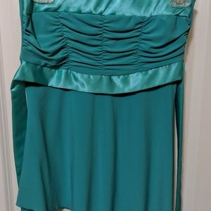 Green/ teal top with tie in back
